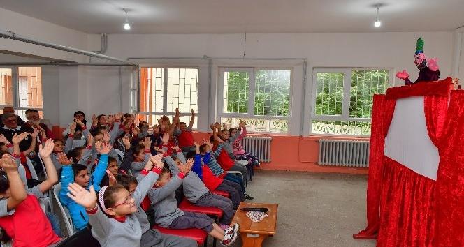 İlkokul öğrencilerine sürpriz