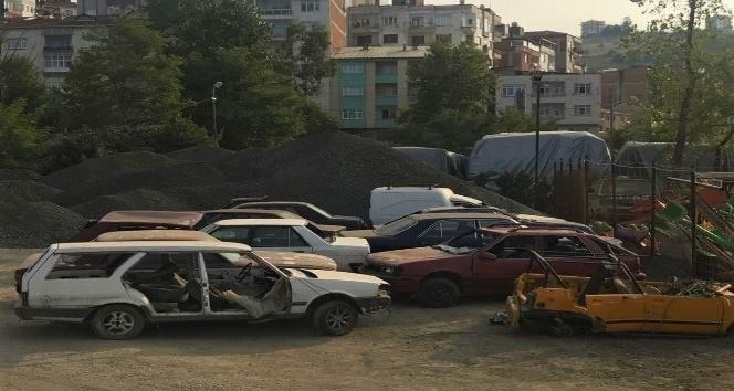 Akçaabat'ta hurda araçlar toplandı