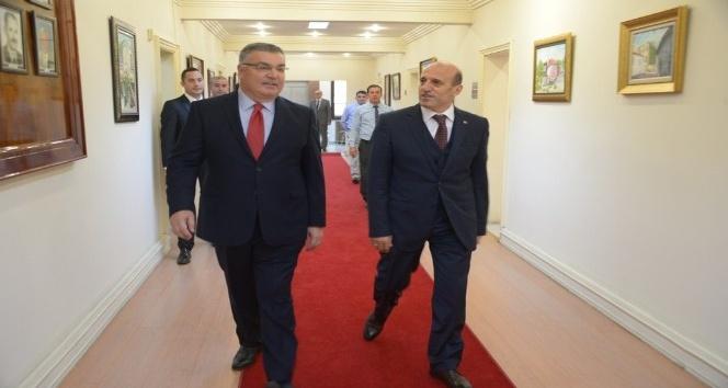 Başkan Kesimoğlu  Vali Çiftçi'yi makamında ağırladı