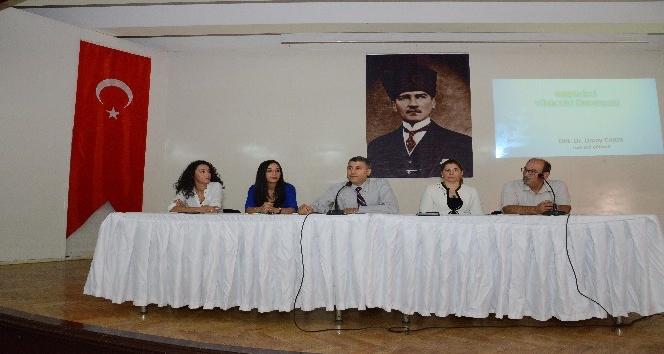 AEÜ'de 'Dilimiz Türkçe' paneli düzenlendi