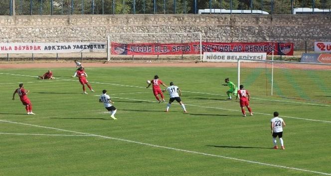 TFF 2. Lig: Niğde Belediyespor: 3 - Altayspor: 0