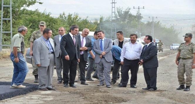 7 kilometrelik Bayırbağ köy yolu sıcak asfaltla kaplanıyor