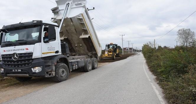 Düzce'de yol genişletme çalışmaları sürüyor