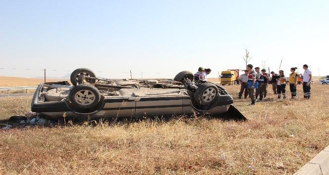 3 yaşındaki ikizleri kaza ayırdı
