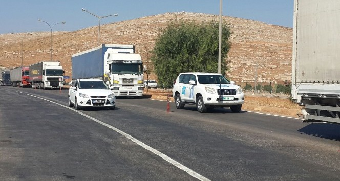 BM'den Suriye'ye 11 TIR'lık yardım