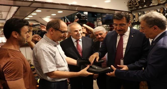 """Bakan Tüfenkci: """"Çok değil, 5-6 yıl sonra farklı bir Hatay'ı göreceğiz"""""""