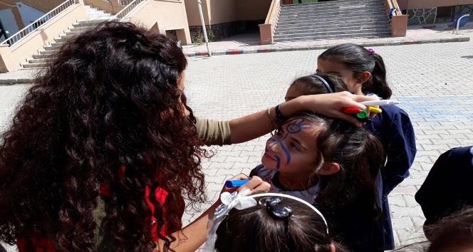 Ağrı'da 'Mobil Gençlik Merkezi Projesi'