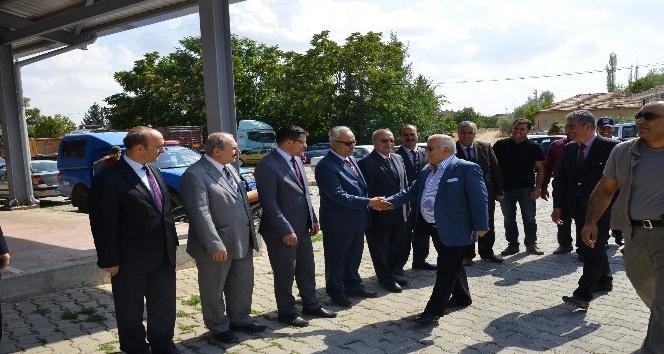Vali Şentürk, Boztepe İlçesinde vatandaşlarla buluştu