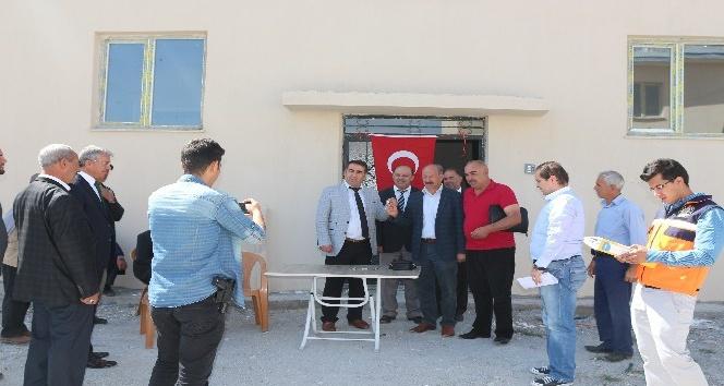 Kağızman'da 13 kişi yeni evlerine kavuştu
