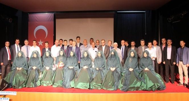 Hafızlık eğitimini tamamlayan 10 kız öğrenci taç giydi