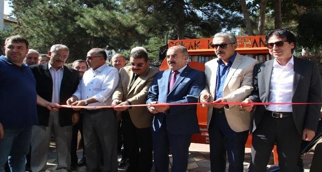 Nevşehir'e sokak kütüphanesi kuruldu