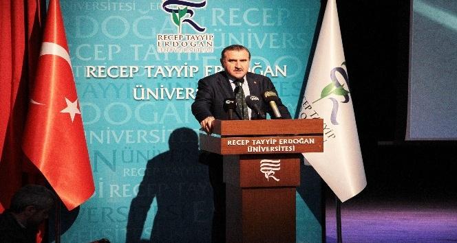 Gençlik ve Spor Bakanı Osman Aşkın Bak, Recep Tayyip Erdoğan Üniversitesi akademik yıl açılışına katıldı