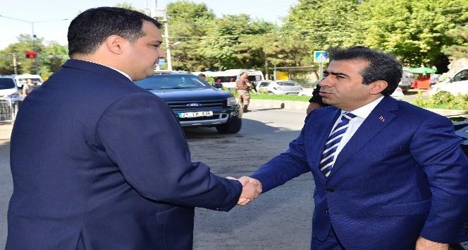 Vali Güzeloğlu, merkez ilçe kaymakamlıklarını ziyaret edip çalışmalar hakkında bilgi aldı