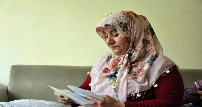 Çaresiz anne çocuklarının okuması için yardım bekliyor