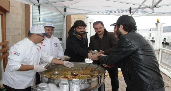 GESTAŞ A.Ş.'den vatandaşlara aşure ikramı
