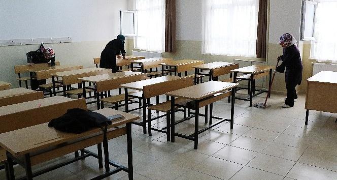 Velilerden okul temizliği