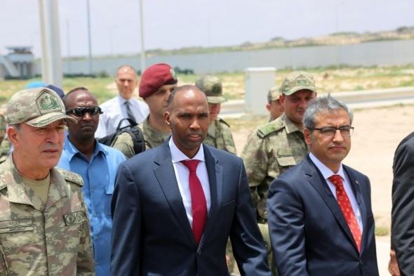 Somalili askerlerin Türkçe şarkısıyla, Mogadişu'da askeri üs açıldı
