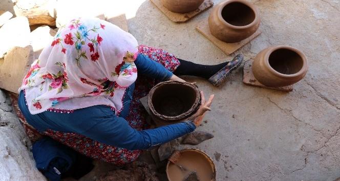 Bu köyde toprağa şekli kadınlar veriyor