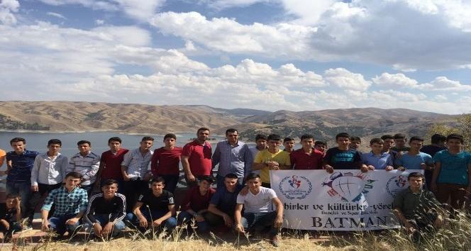 Batmanlı 250 genç Mardin, Elazığ ve Şanlıurfa'yı gezdi