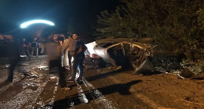 Kadirli'de trafik kazası; 2 yaralı