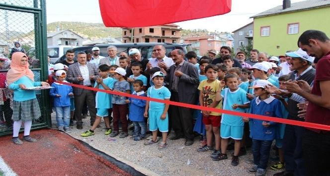 Seydişehir'de gençlere yeni sentetik çim saha