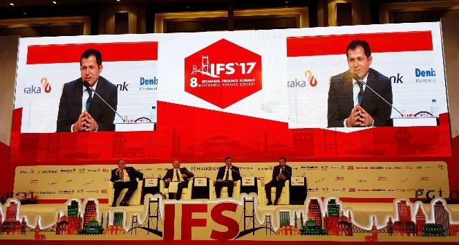 Ziya Altunyaldız İstanbul Finans Zirvesine katıldı