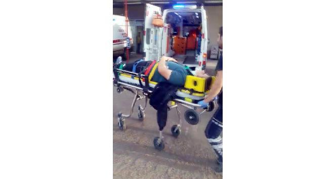 Çevik kuvvet polislerini taşıyan midibüs kaza yaptı: 3 yaralı