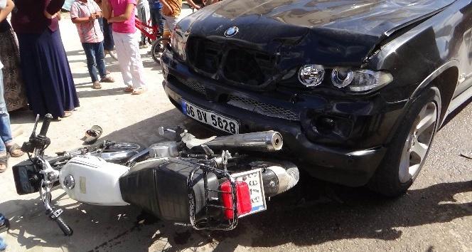 Kilis'te motosiklet ile otomobil çarpıştı: 2 yaralı