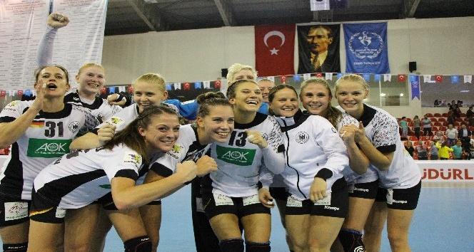 2018 Kadınlar Avrupa Hentbol Şampiyonası: Türkiye: 16 - Almanya: 30