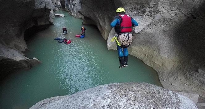 Dağcıların Köprülü ve Tazı Kanyonu geçişi komandoları aratmadı
