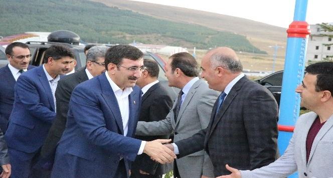 AK Parti Genel Başkan Yardımcısı Yılmaz'dan ARÜ'ye ziyaret