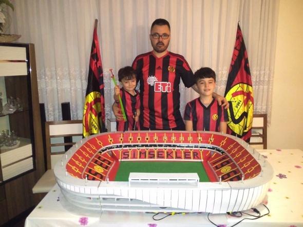 Eskişehir Stadı'nın birebir maketini yaptı