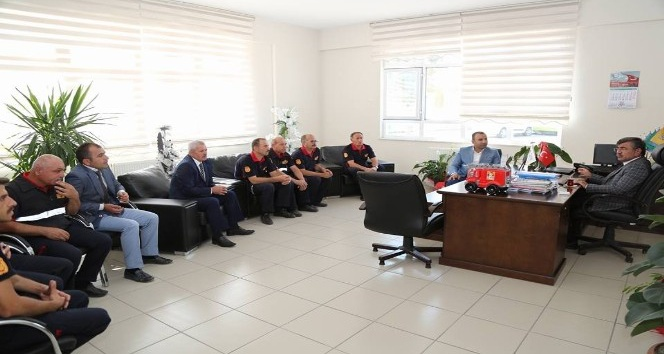 Başkan Akdoğan'dan itfaiye personeline kutlama ziyareti