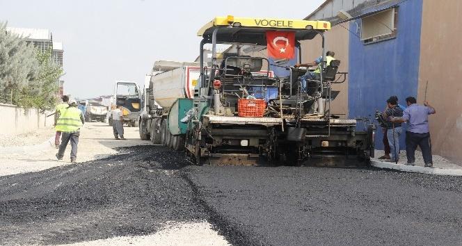 Akdeniz ekipleri, iki haftada 8 bin 500 ton sıcak asfalt döktü