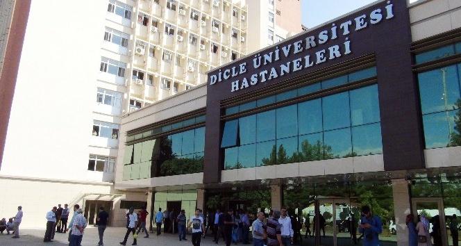 180 taşeronun işine son verildi, çalışanlar üniversite önünde toplandı