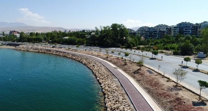 Edremit'te sahil kordonu projesinde sona yaklaşıldı