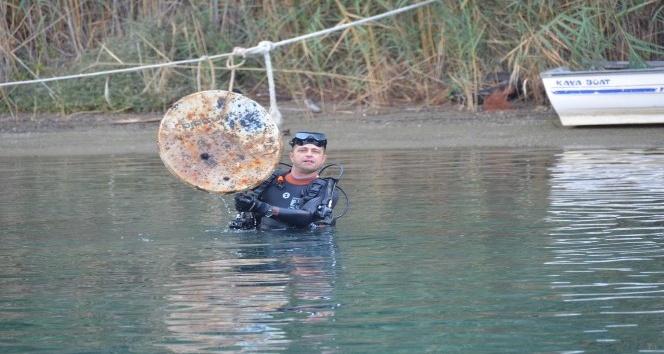 Gökova deniz dibi temizliğinde 500 kg katı atık çıktı
