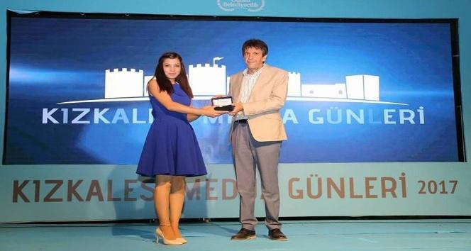 Kırşehir'li gazeteciye Mersin'de 'onur ödülü'
