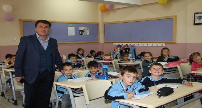 İş adamı Demir'den eğitime destek