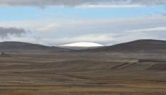 Karsta yüksek kesimler beyaza büründü