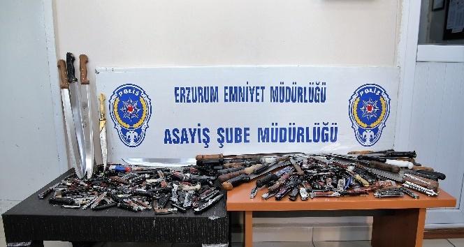 Güven timleri 3 ayda 490 adet bıçak ele geçirdi