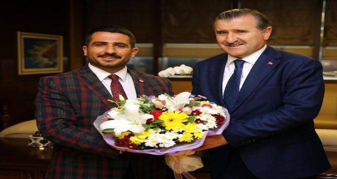 AK Partili gençlerden Bakan Bak'a ziyaret