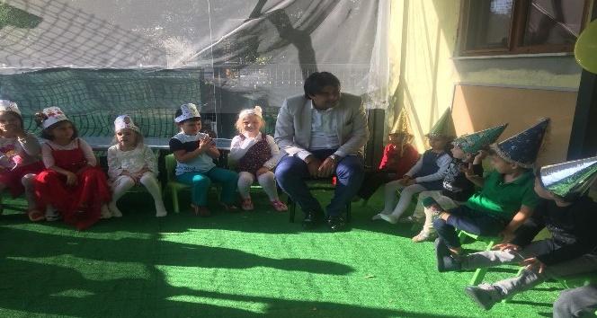 Foça Belediyesi Çocuk Evi'nde kutlama