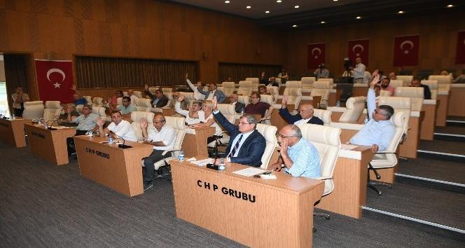 Şekeröz'ün meclis üyeliği oy birliğiyle düşürüldü