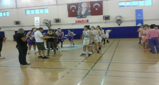 Düzce Belediyesi Kız Basketbol takımı ikinci oldu