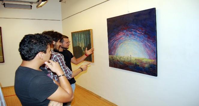 İsmail Tetikçi'nin resim sergisi ilgi görüyor