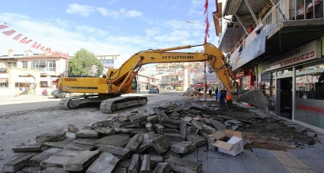 Cumhuriyet Caddesi'nde asfalt çalışmalarına başlandı