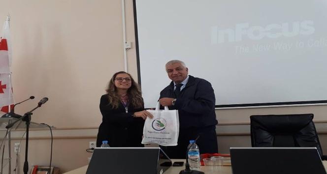 Rektör Çakar Gürcistan'daki uluslararası konferansa katıldı