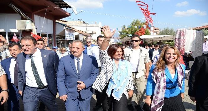 Karacasu Kültür Merkezi coşkuyla açıldı