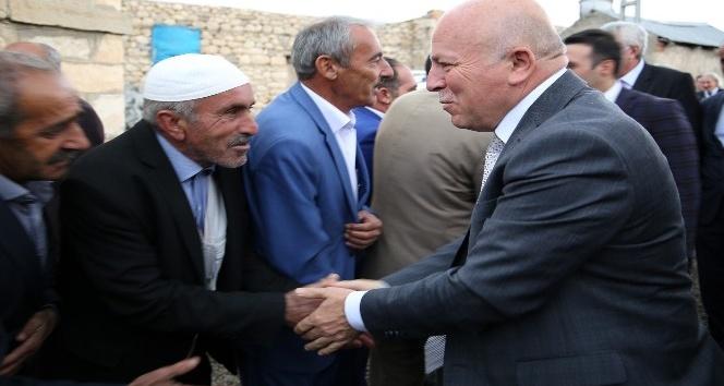 Başkan Sekmen Çat'a çıkarma yaptı